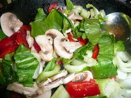 Salata cu ciuperci si dovlecei preparata de Ramona Dascalu